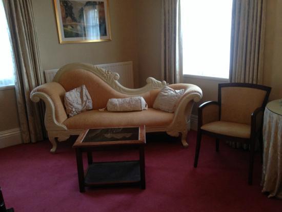 Nuthurst Grange Country House Hotel & Restaurant: Gorgeous furniture.