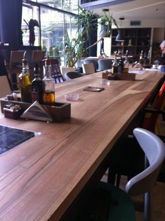 Izlog Caffe&Bar&Restaurant