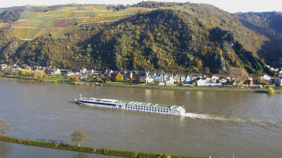 Romantik Hotel Schloss Rheinfels: Rheinblick