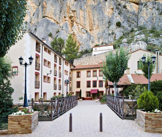 Hotel-Balneario de la Virgen: entrada balneario