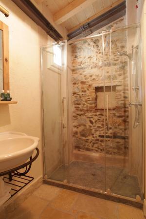 Olimagio: Bathroom