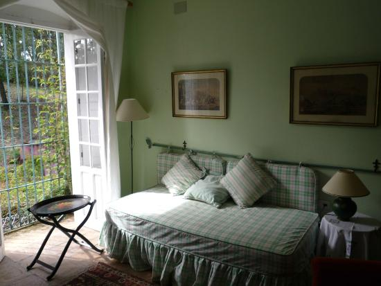 Finca Buen Vino: Small dressing room adjoining the blue room