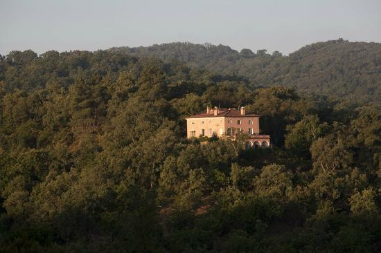 Finca Buen Vino: View of the house from across the valley