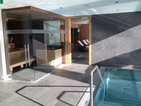 Hotel Schoene Aussicht : Non-Naked Area