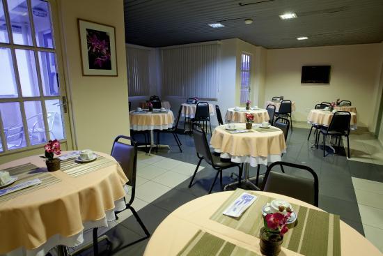 Krystal Hotel Manaus : Salão de café