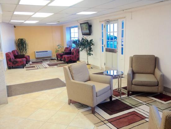 Nyack Motor Lodge: Lobby
