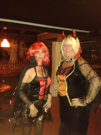 The Treehouse Bar & Grill: Halloween