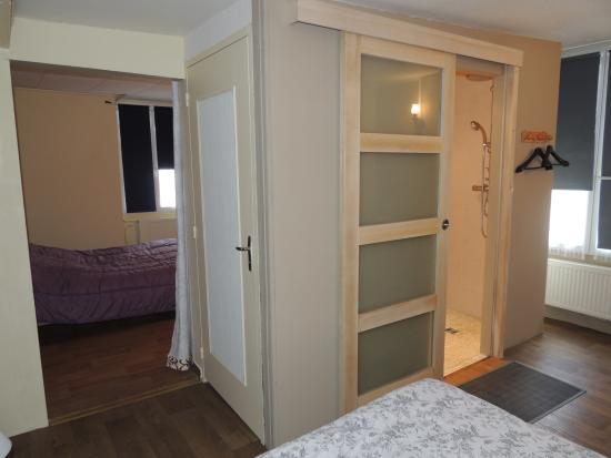 Chambre n 2 avec salle de douche l 39 italienne et wc privatif picture o - Chambre avec douche italienne ...