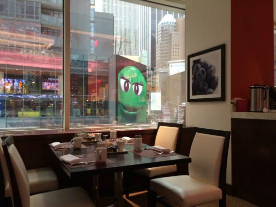 Brasserie 1605 at the Crowne Plaza Times Square: Brasserie 1605