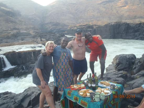Zambezi Rafting Day Tours : Cheese & wine with a difference!