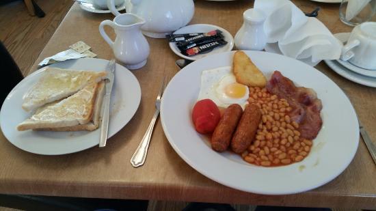 Blue Seas Bed and Breakfast: Nice breakfast. Just the job.