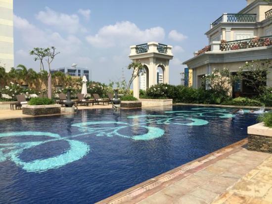 Swimming Pool Picture Of The Leela Palace Chennai Chennai Madras Tripadvisor