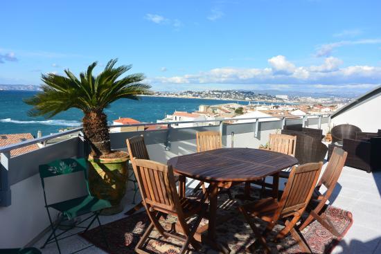 BnB Les Amis de Marseille: vue panoramique mer face à la baie de Marseille