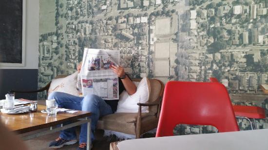Corner Cafe: Chilled