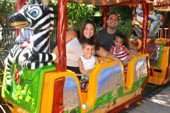 Palm Beach Zoo Conservation Society A Family Rides On The S Safari Train In