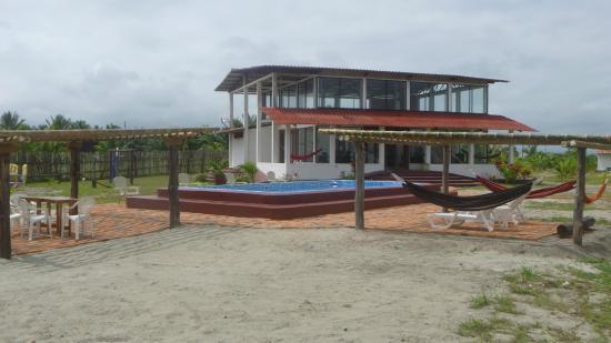 La Playa Lodge: Cancha de volley