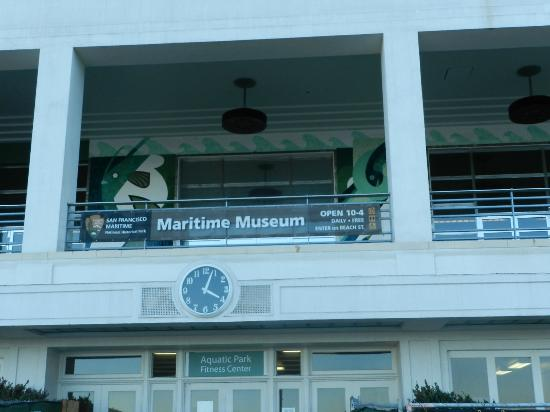 San Francisco Maritime Museum/Aquatic Park Bathhouse Building: externa do prédioo
