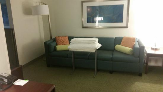 SpringHill Suites Kansas City Overland Park: Sofa Bed In Room
