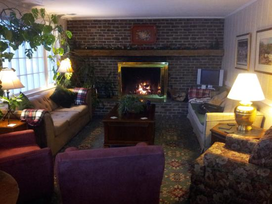 Lovely vermont views picture of deerhill inn dover for Living room upstairs