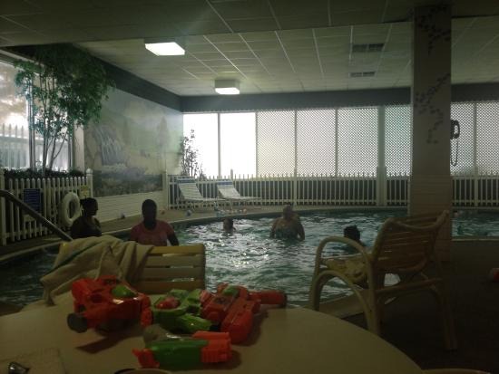 Holiday Inn Middletown: Having fun at the Pool.