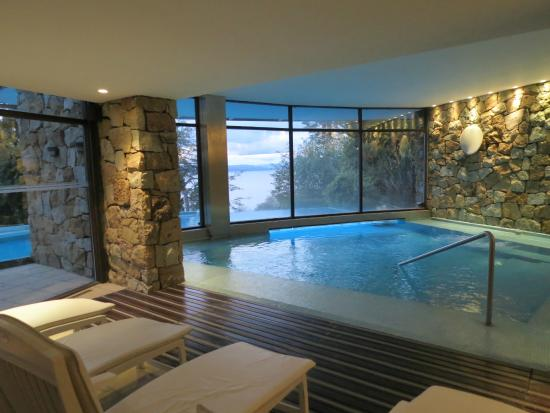 Piscina picture of design suites bariloche san carlos - Piscina san carlo ...
