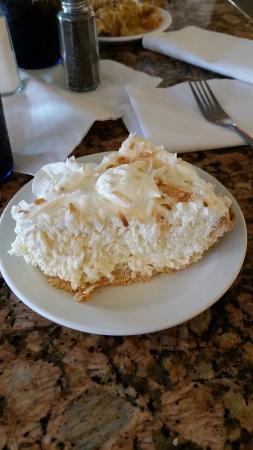 Rossi's Diner: Coconut cream yummy pie