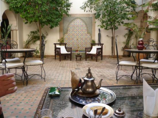 Riad Cannelle: our welcome mint tea