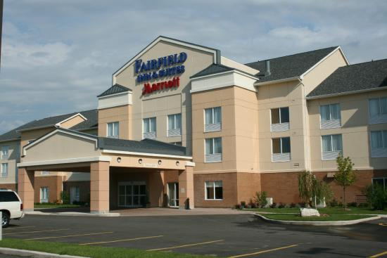 Fairfield Inn & Suites Sault Ste. Marie: Exterior View