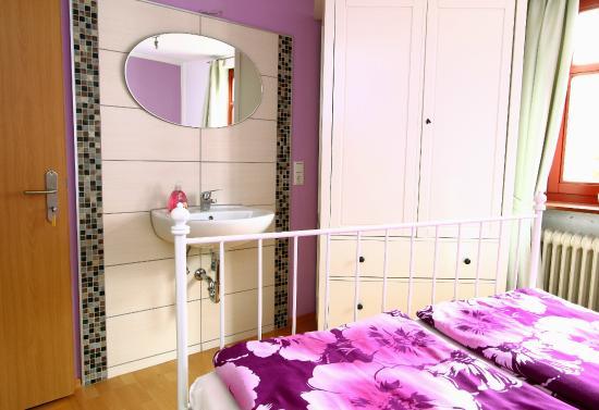 Haus Alice: Das Lila Schlafzimmer