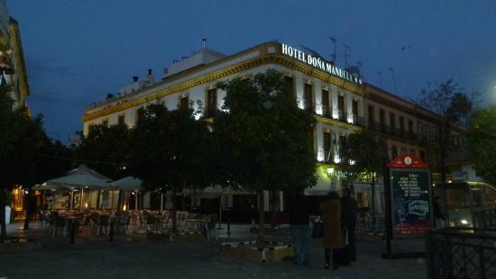 hotel dona manuela sevilla: