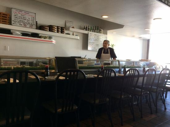 Mister Sushi: Interior