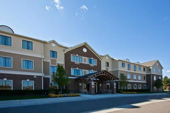 Staybridge Suites - Novi : Staybridge Suites Detroit Novi, MI - Hotel Front