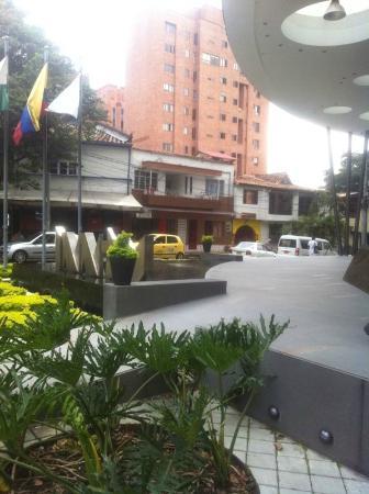 Inntu Hotel Medellín: Acesso ao hotel