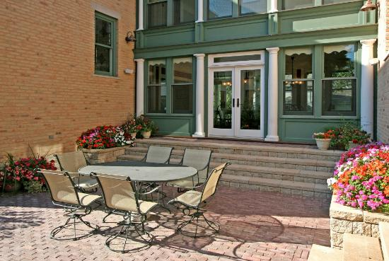 Barrington House Bed & Breakfast: The Courtyard is a guest favorite