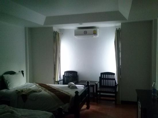 WangBurapa Grand Hotel: Standardzimmer