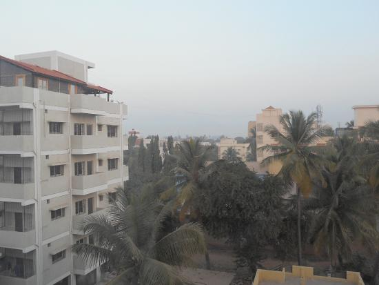 Hotel Krishna Palace: view from room when you open the curtains