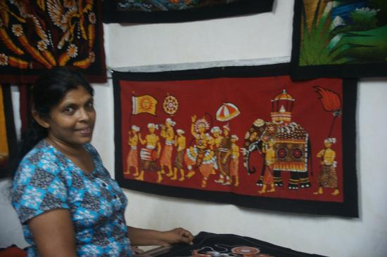 Fort Inn Guest House: Recommended Batik factory (south-east of Galle)
