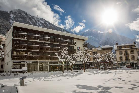 Pointe Isabelle Hotel : Winter outside
