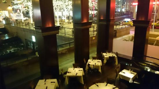 Del Frisco's Double Eagle Steak House: Panoramic view from 2nd floor
