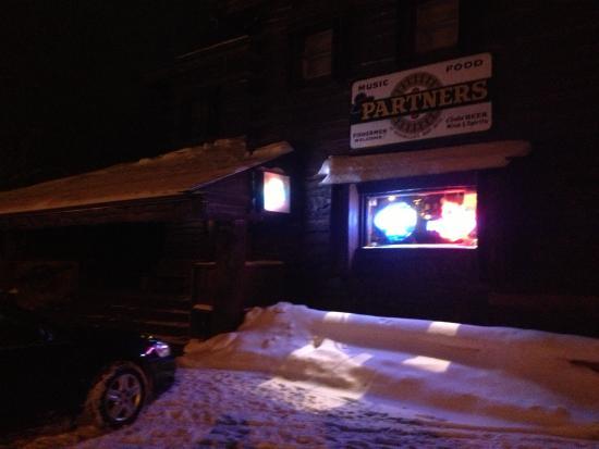 Newfane, Nova York: Burt's Hotel - outside bar