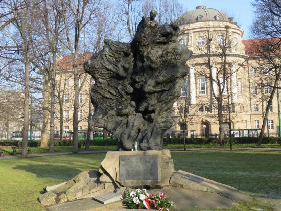 Pomnik Ofiar Katynia i Sybiru