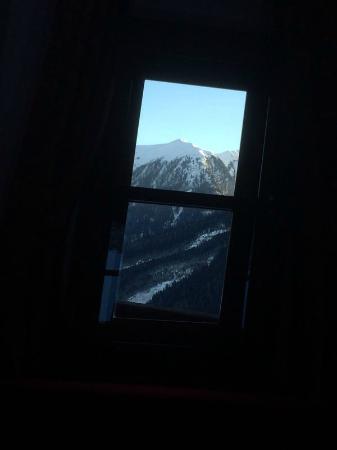 Schiefe Alm: Schiefe Fenster auf der Schiefen Alm