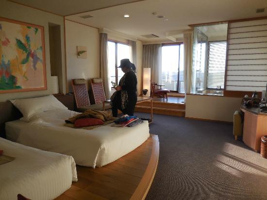 Yokikan: まずまず広い部屋です。