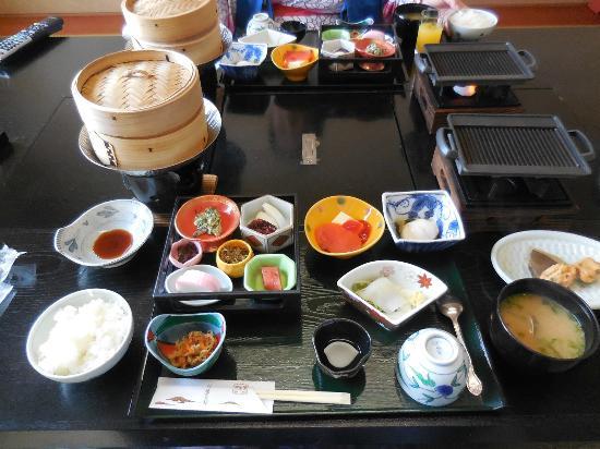 Yokikan: 朝食。ご飯を2杯食べ大満足でした。