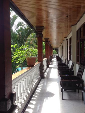 Simpang Inn: Uscendo dalla stanza