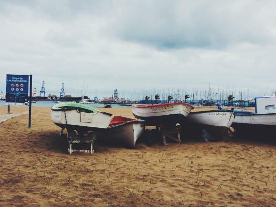 Playa de Las Alcaravaneras : Boats