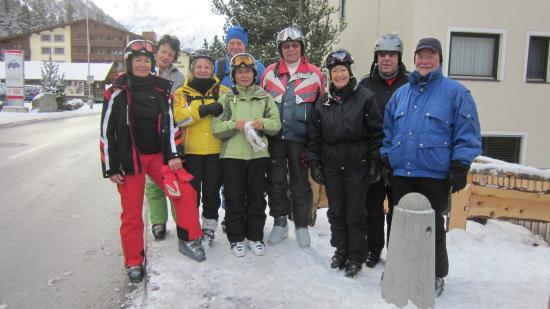 Hotel Sonnblick: Skibus Haltestelle 40m Entfernung