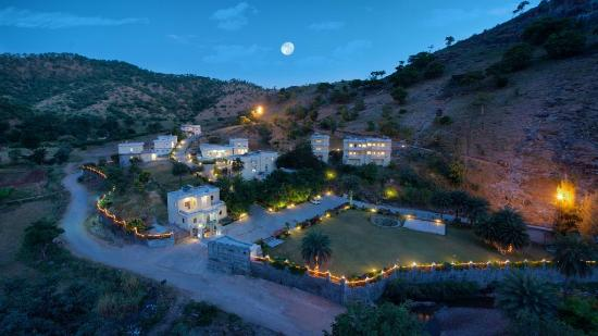 Aaram Baagh Udaipur: Magnificent Location in Hillside with Stream around..