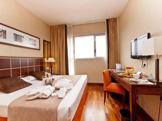 Eurostars Toledo : Habitación