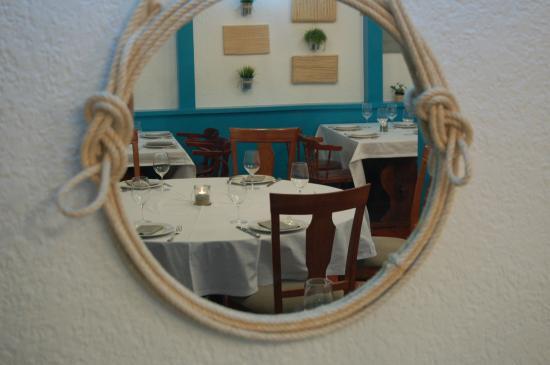 Foto de Restaurante La Segunda, Santander: Detalle espejo ...